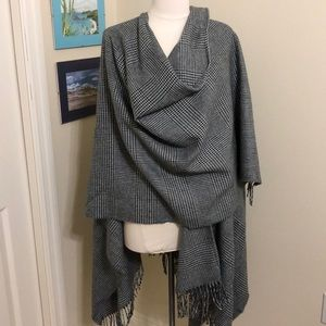 VTG Gray & white wrap